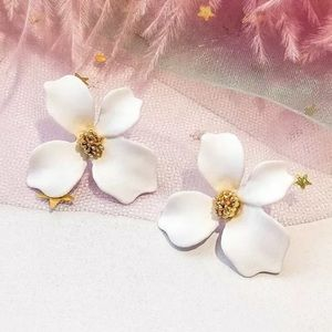 White Acrylic Flower Earrings